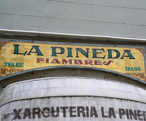 Old established shop and restaurant in Carrer del Pi.