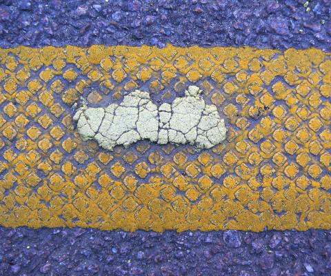 Incidental colour 58 Yellow white 3