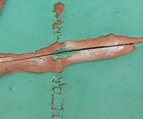 Incidental colour 74 green cracked paint