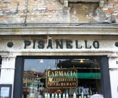 Ancient pharmacy in Campo San Polo